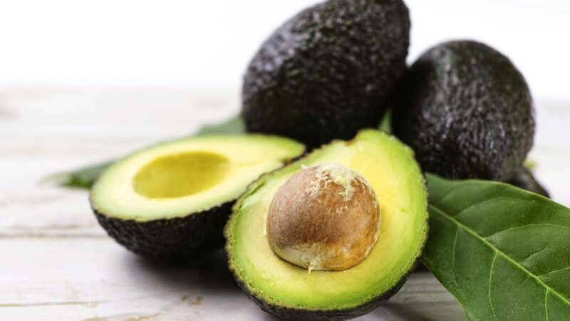 Warum die Avocado jetzt die Kosmetik Branche erobert!