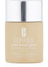 Clinique Even Better Glow Light Reflecting Makeup SPF 15 Foundation WN 12 Meringue 30 ml Flüssige Foundation