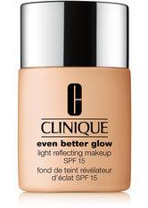 Clinique Even Better Glow Light Reflecting Makeup SPF 15 Foundation WN 30 Biscuit 30 ml Flüssige Foundation