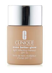 Clinique Even Better Glow Light Reflecting Makeup SPF 15 Foundation CN 52 Neutral 30 ml Flüssige Foundation