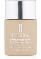 Clinique Even Better Glow Light Reflecting Makeup SPF 15 Foundation CN 28 Ivory 30 ml Flüssige Foundation