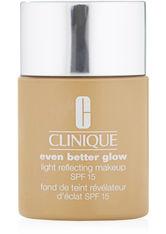 Clinique Even Better Glow Light Reflecting Makeup SPF 15 Foundation WN 68 Brulee 30 ml Flüssige Foundation
