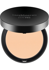 BAREMINERALS - bareMinerals Gesichts-Make-up Foundation BarePro Performance Wear Kompakt-Foundation 02 Dawn 30 ml - GESICHTSPUDER