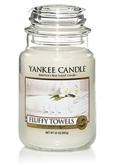 Yankee Candle Housewarmer Fluffy Towels Duftkerze 0,623 kg